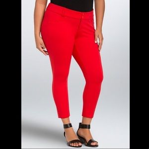 🆕❤️Torrid- Red All Nighter Cropped Trousers